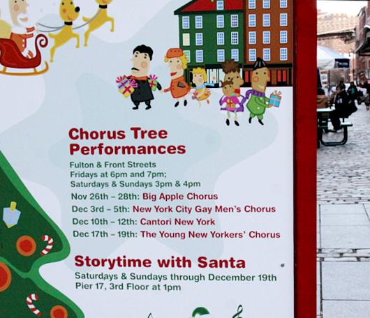 サウス・ストリート・シーポートの歌うクリスマス・ツリー 2010_b0007805_9563472.jpg