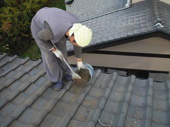 瓦屋根の雨漏り補修~棟の積み直し工事終了です。_d0165368_7372125.jpg