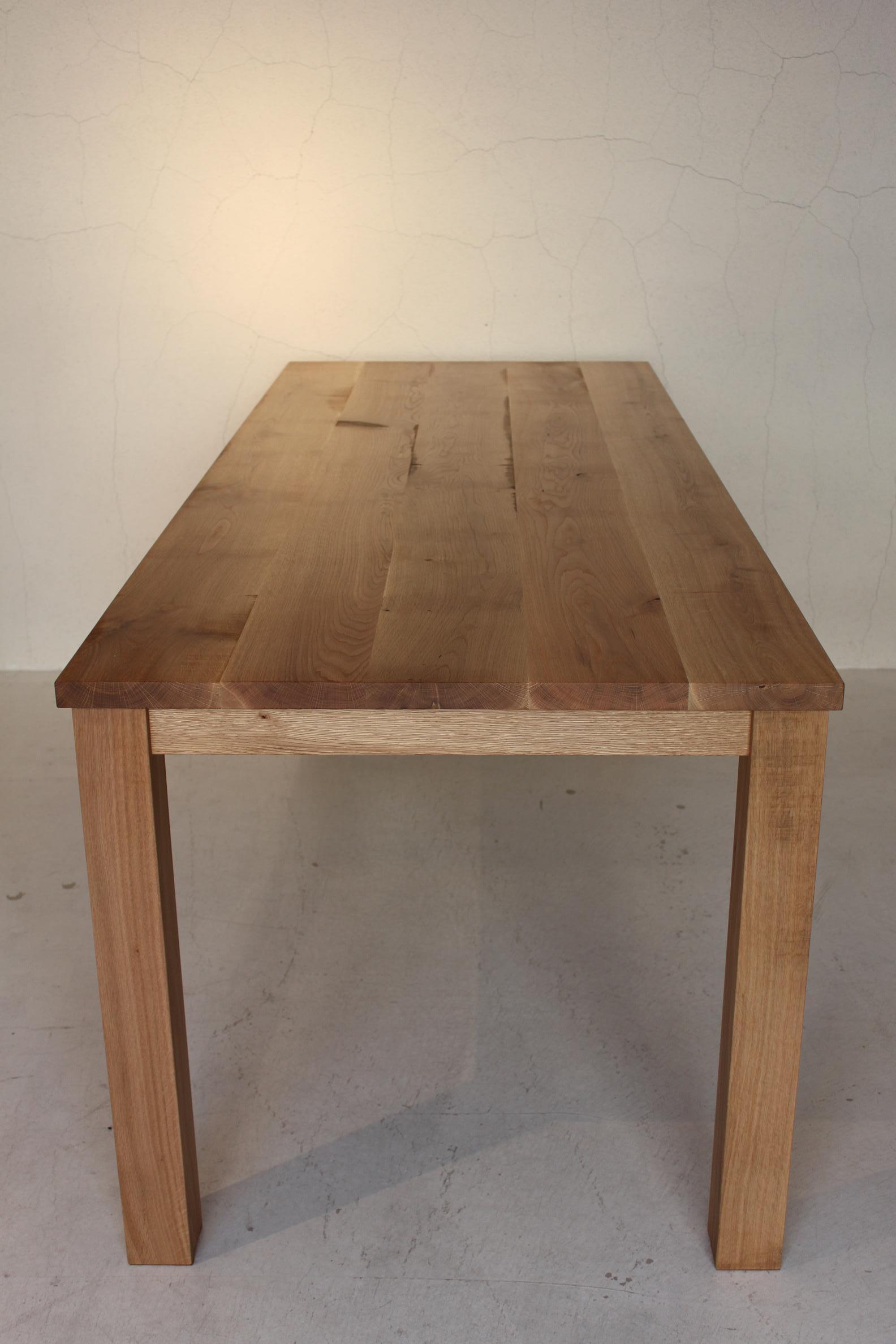 NS DINING TABLE_c0146581_10193376.jpg