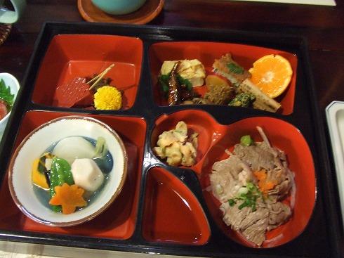 蔵の中のお昼ごはん 近江八幡「喜兵衛」_e0002086_5544137.jpg