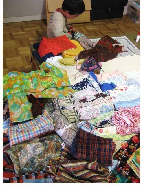たくさんの布の中から・・・ 幼児クラス_f0211514_18481467.jpg