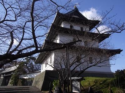 松前城と本丸御門