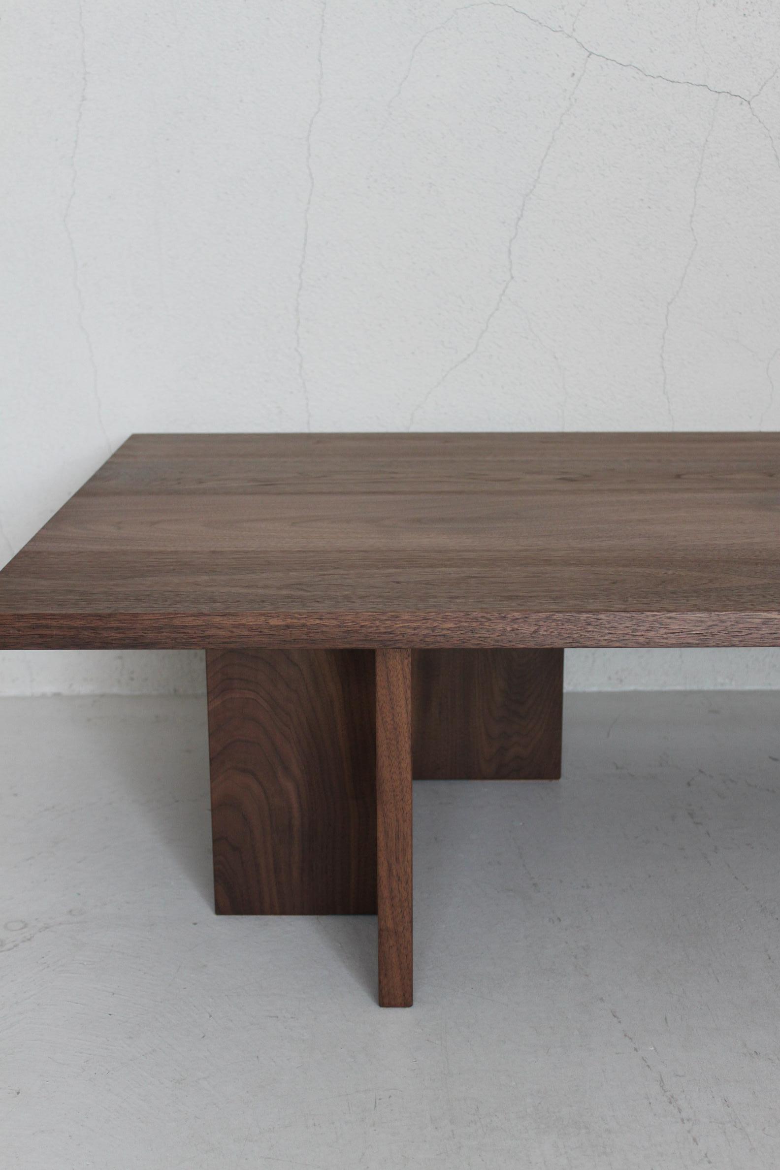 CS LOW TABLE_c0146581_2231147.jpg