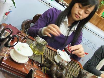 激旅!上海2泊3日2010 (10)~「許記生煎」「岩芳茶荘」_e0173645_12233964.jpg