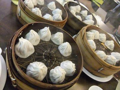 激旅!上海2泊3日2010 (11)~「南翔饅頭店」と静安寺_e0173645_14101571.jpg
