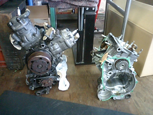 NSR250エンジン洗浄!!_e0114857_221293.jpg