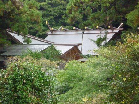 高倉神社(3)草薙の剣を取り戻して造られた7振りの剣を合せて八剣神社とも呼ばれていた_c0222861_1229083.jpg