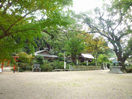 高倉神社(3)草薙の剣を取り戻して造られた7振りの剣を合せて八剣神社とも呼ばれていた_c0222861_12293499.jpg