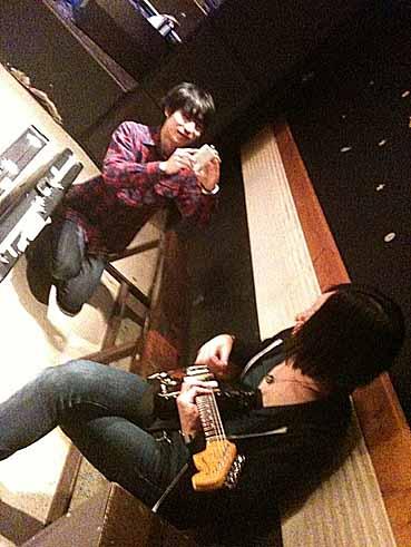 monokuro AND TOUR 2010-2011 @ 山形Sandinista 10.11.27_d0131511_295089.jpg