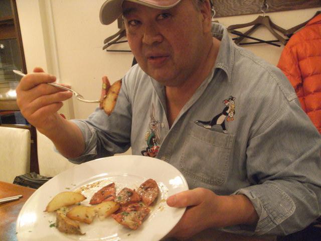 仕事の後の食事は・・・_e0116211_8354658.jpg
