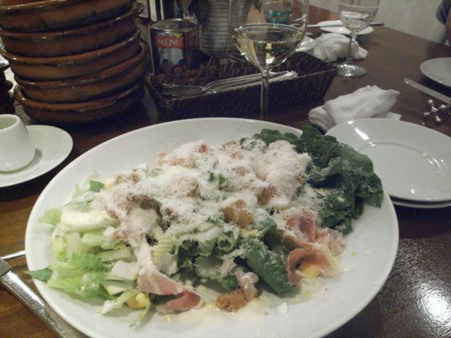 仕事の後の食事は・・・_e0116211_8385625.jpg