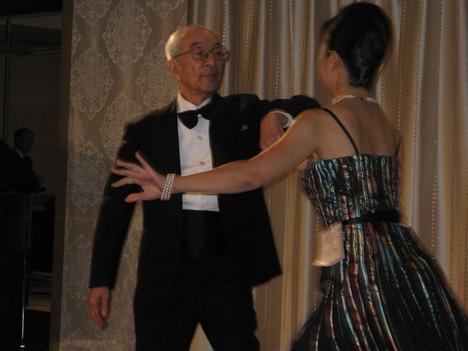 村澤会長ダンスをご披露_b0115553_21483687.jpg