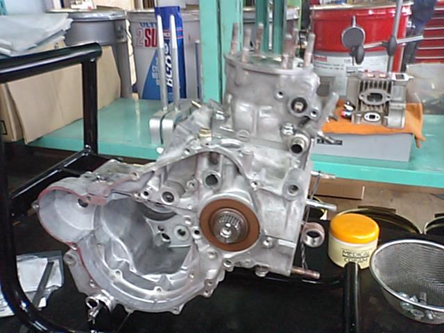 NSR250エンジン組み上げ!!_e0114857_22594193.jpg