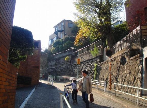 <2010年12月1日>港区探訪(その6):「麻布・青山・赤坂」編_c0119160_2105094.jpg
