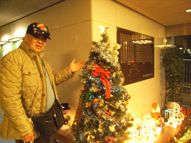クリスマスライトアップ_e0116211_952795.jpg