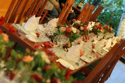 12月、赤い花で飾る一軒家のフレンチ 仏蘭西舎すいぎょく様へ_a0042928_2310416.jpg