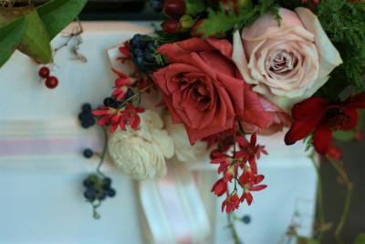 12月、赤い花で飾る一軒家のフレンチ 仏蘭西舎すいぎょく様へ_a0042928_2385412.jpg