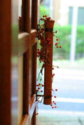 12月、赤い花で飾る一軒家のフレンチ 仏蘭西舎すいぎょく様へ_a0042928_239430.jpg