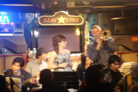『STAR EYES』 デビュー!^^ vol.1_e0142585_923254.jpg