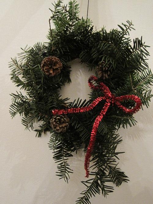 もみの枝で クリスマスリース作り_f0236260_18284740.jpg