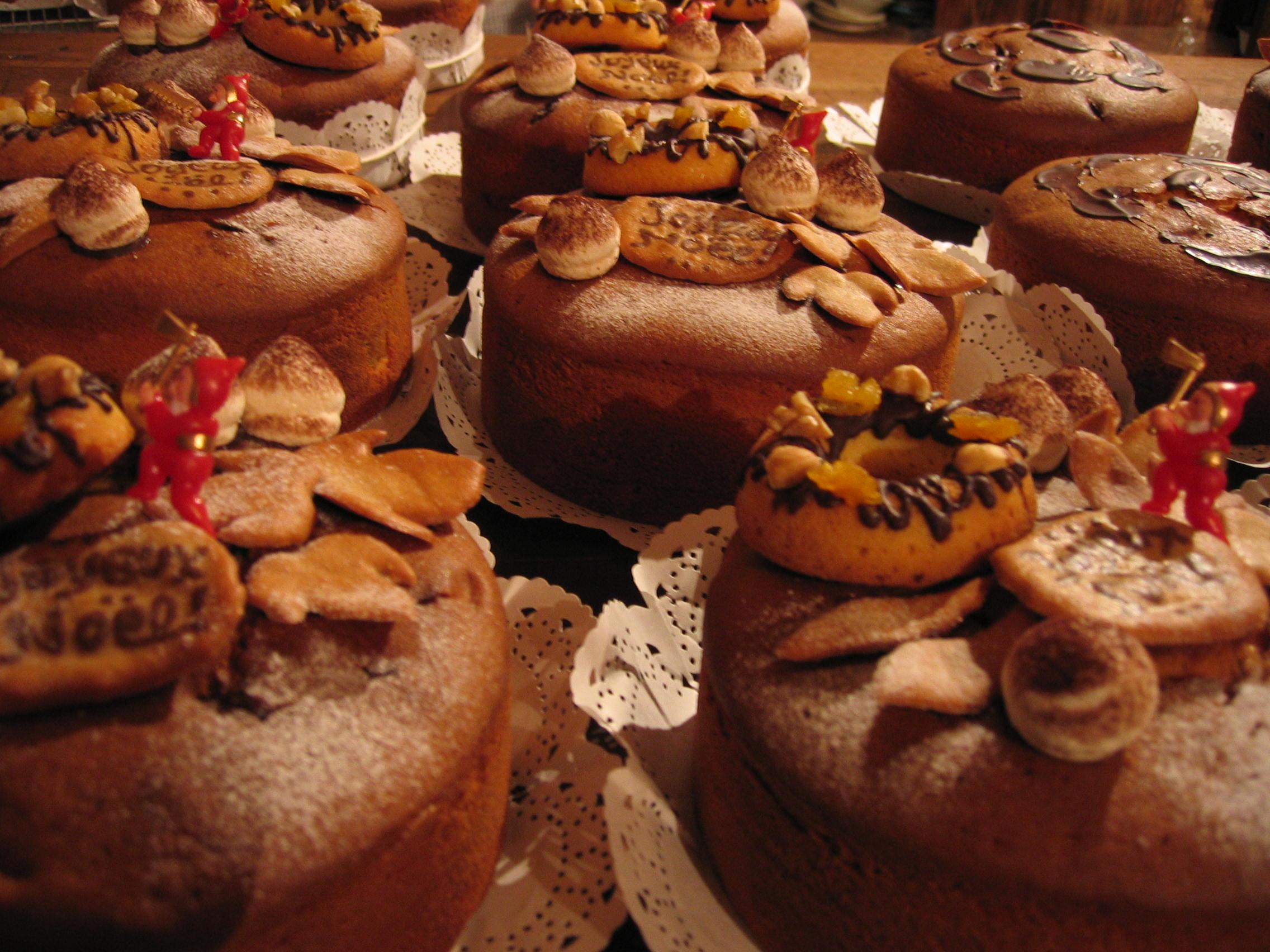 グルヌイユのシュトレン&カシュカシュのクリスマスケーキ_c0216265_5114439.jpg