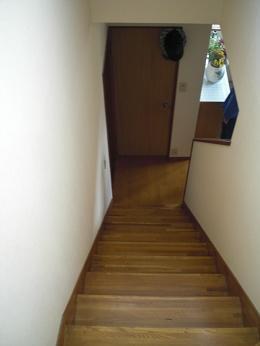 階段に手すりを取り付け_d0165368_526386.jpg