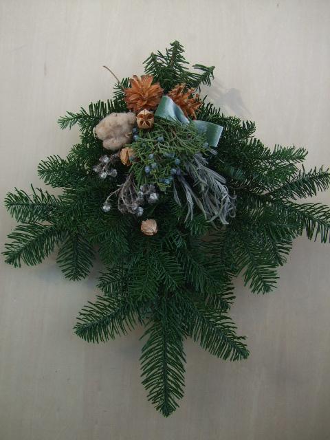 オークリーフ(今年のクリスマスリース)_f0049672_1916131.jpg