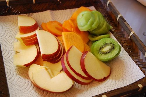 果物を干す_c0124100_21461446.jpg