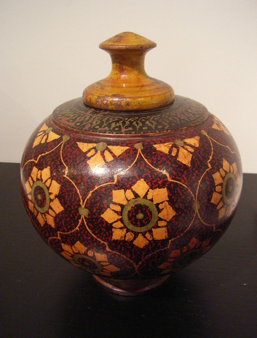 チベットの木壺_c0214527_16144878.jpg