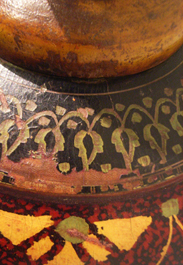 チベットの木壺_c0214527_16171453.jpg