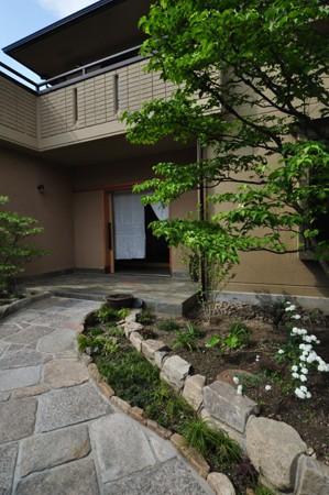 「木の家リフォームを勉強する本」_e0164563_10495430.jpg