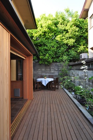 「木の家リフォームを勉強する本」_e0164563_10513491.jpg
