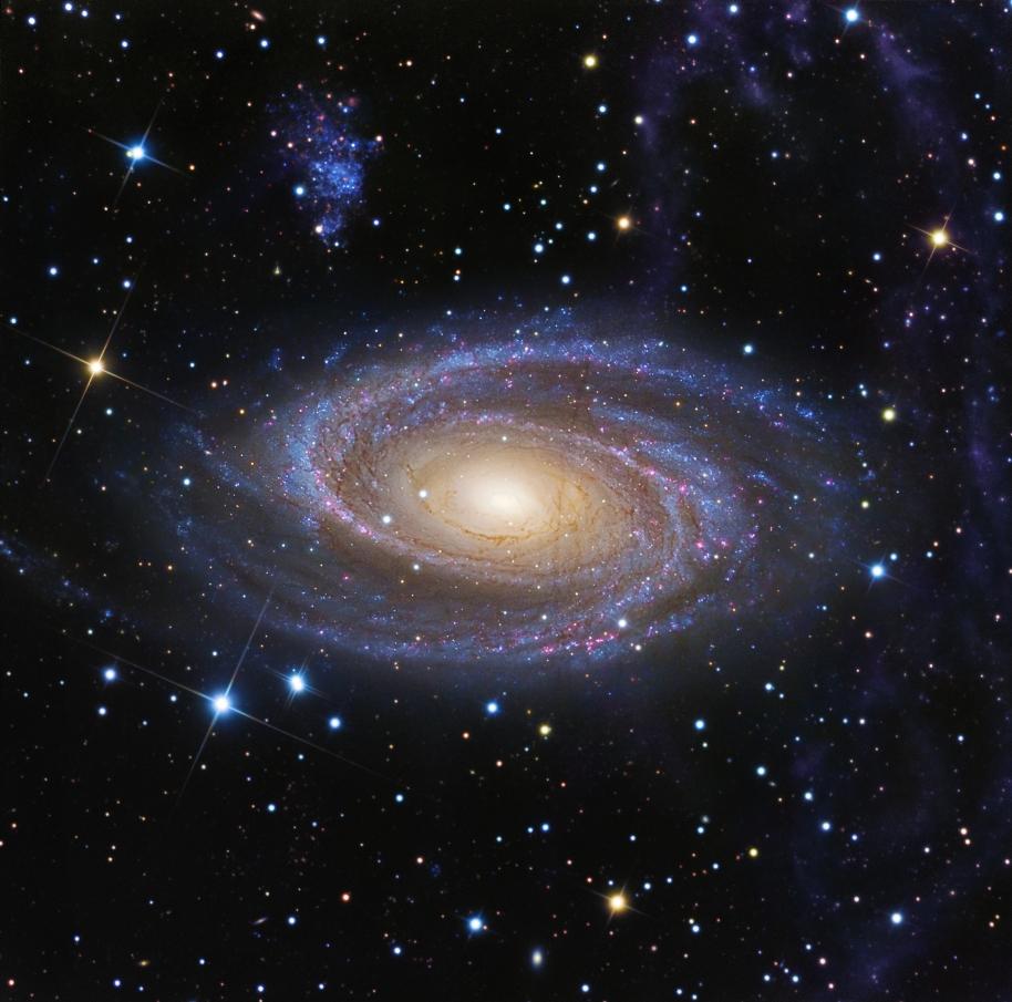 おおぐま座の巨大渦巻銀河M81と...