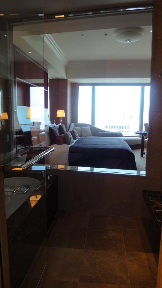 めくるめくプレジデンシャルスイート@シャングリ・ラ ホテル東京 お部屋編_f0215324_0182353.jpg
