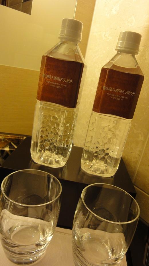 めくるめくプレジデンシャルスイート@シャングリ・ラ ホテル東京 お部屋編_f0215324_22295413.jpg