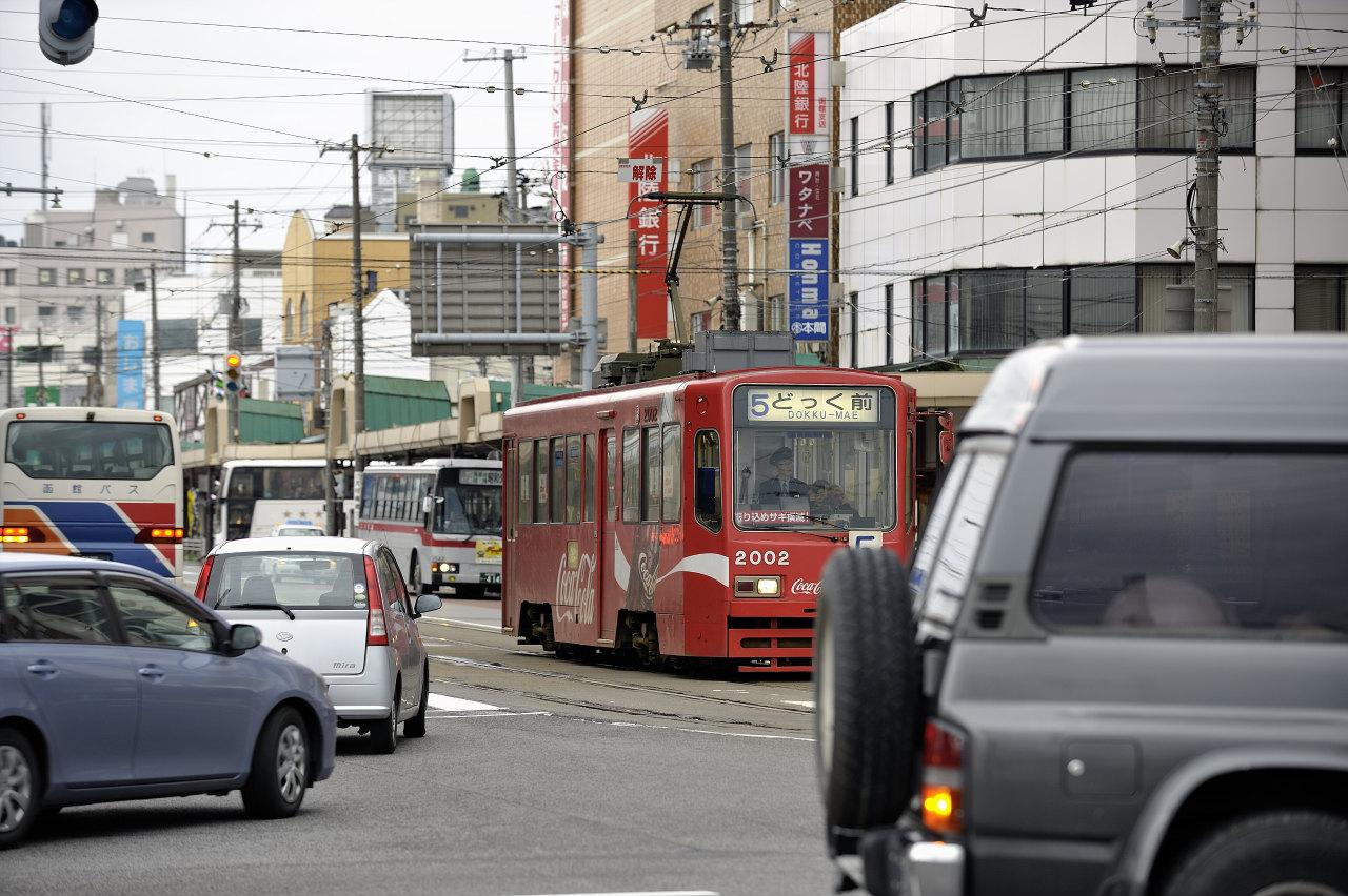 函館駅前にて     ―市電―_e0171886_2222932.jpg
