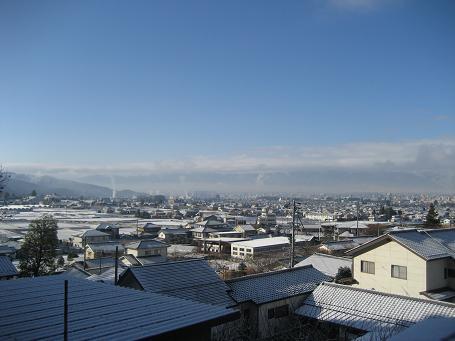 初雪!でも現場は・・_d0105615_1504369.jpg