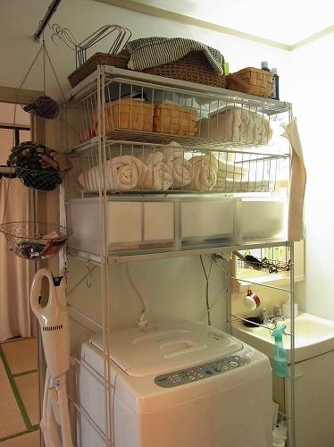 洗濯機上のスペースを収納スペースにします