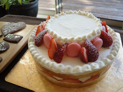お誕生日ケーキ_e0170128_1757268.jpg