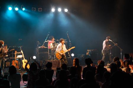 注目の癒し系バンドCure Rubbish、ツアーファイナル成功!_e0197970_0592882.jpg