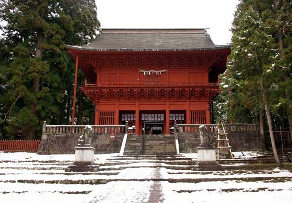 岩木山神社 柱に戯れる狛犬など_a0136293_10341180.jpg