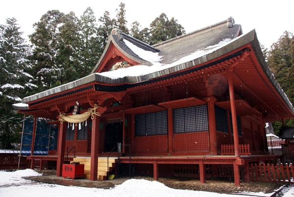 岩木山神社 柱に戯れる狛犬など_a0136293_1135360.jpg