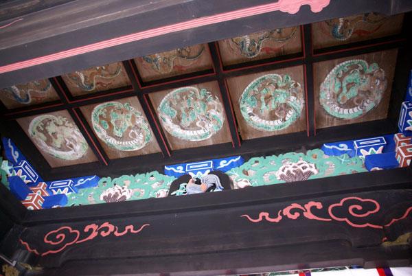 岩木山神社 柱に戯れる狛犬など_a0136293_1153066.jpg