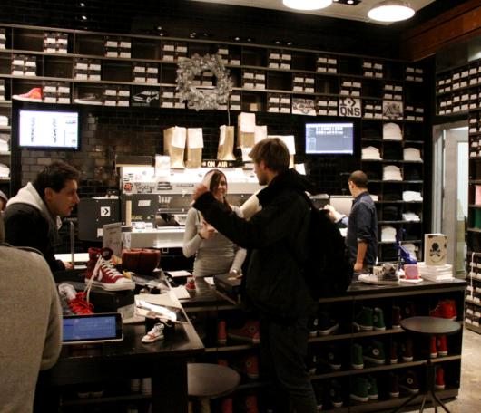 ニューヨークのSoHoにコンバース(Converse)の常設特別店がオープン!!!_b0007805_2562899.jpg