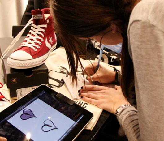 ニューヨークのSoHoにコンバース(Converse)の常設特別店がオープン!!!_b0007805_2565434.jpg