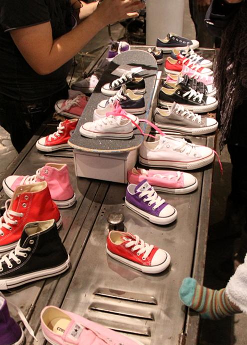 ニューヨークのSoHoにコンバース(Converse)の常設特別店がオープン!!!_b0007805_2595622.jpg