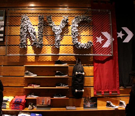ニューヨークのSoHoにコンバース(Converse)の常設特別店がオープン!!!_b0007805_324921.jpg