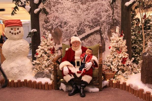 サンタさんと写真を撮ってきました_c0126120_0532967.jpg