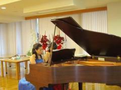 オシャレな連弾!ピアノ・デュオ_d0037159_1632335.jpg