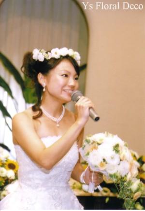 白いお花の花冠&お揃いのリストレット_b0113510_0451744.jpg